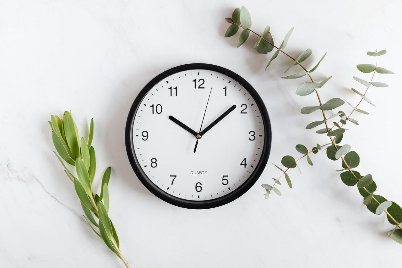 Minimalist style clock